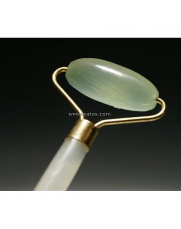 Rouleau de massage en jade pour le rajeunissement du visage