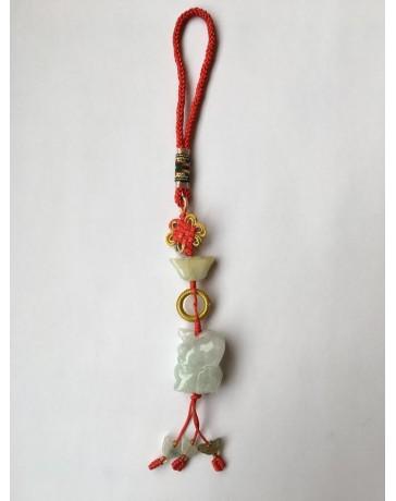Cheval en jade avec un noeud mystique